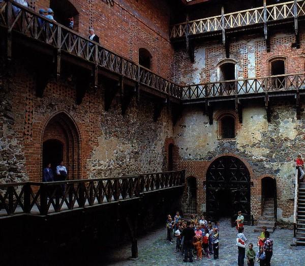 фотография Тракайский замок : (Литва - Тракай) - фото 7